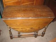 #47 – Oval Oak folding table